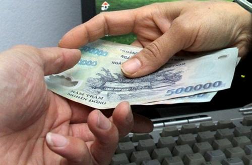 Khởi tố cán bộ địa chính nhận hối lộ