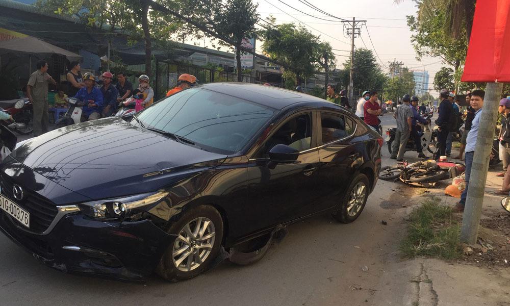 Ô tô tông hàng loạt xe máy ở Sài Gòn, 3 người bị thương